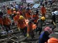 FOTO: Pencarian Korban Banjir Bandang Luwu Utara