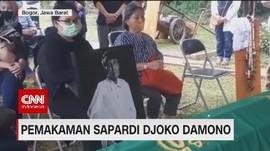 VIDEO: Pemakaman Sastrawan Sapardi Djoko Damono