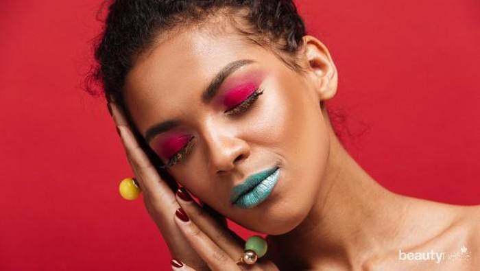 Bingung Menentukan Eyeshadow Palette yang Cocok Untuk Kulit Gelap? Coba Produk Ini Aja!