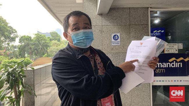 Koordinator MAKI Boyamin Saiman berencana gugat praperadilan jika KPK tak menggubris bahan yang telah diserahkan pihaknya.