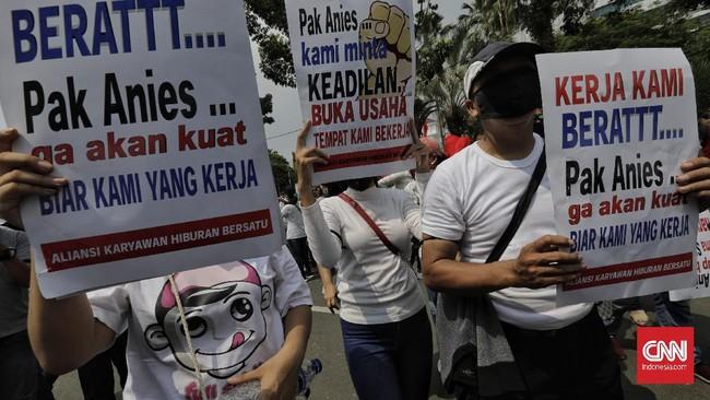 Sejumlah pegawai dan pemilik tempat hiburan malam datangi Balkot DKI Jakarta mendesak Gubernur Anies mengizinkan hiburan malam beroperasi di masa PSBB transisi.