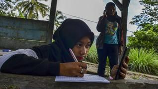 Dikbud Diminta Bantu Biaya Pembelajaran Tanpa Akses Internet