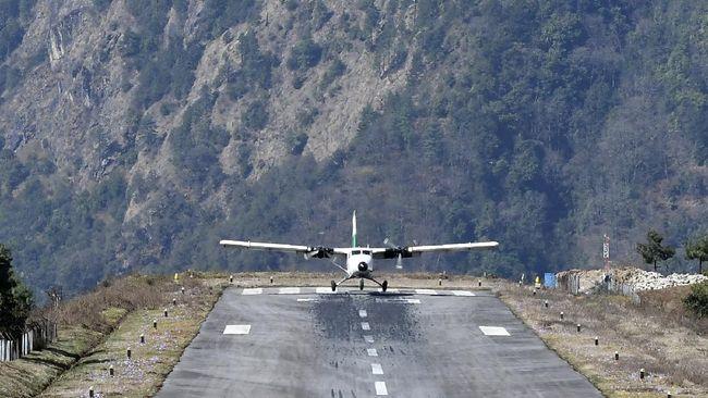 Berikut tujuh landasan pacu pesawat paling ekstrem di dunia.