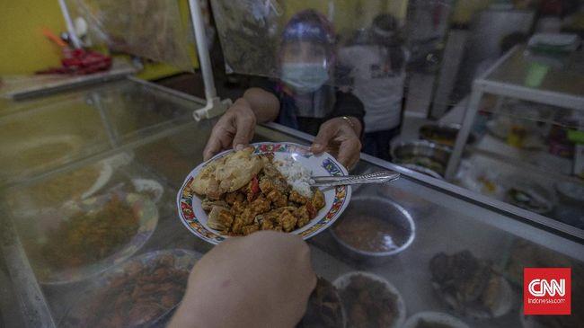 Pemprov DKI Jakarta mewajibkan pelaku usaha, pedagang maupun pengunjung warteg hingga pedagang kaki lima (PKL) harus sudah divaksin.
