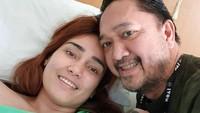 Beberapa waktu lalu, Feby Febiola mengabarkan kondisi kesehatannya yang mulai menurun karena kista ovarium. (Foto: Instagram @frankysihombingz)