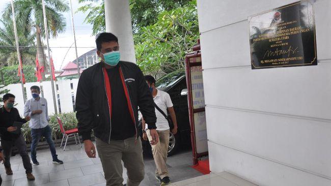 Di tengah bursa panas bakal calon yang mungkin diusung PDIP untuk Pilwalkot Medan, menantu Jokowi, Bobby Nasution diundang ke Kantor DPD PDIP Sumut.