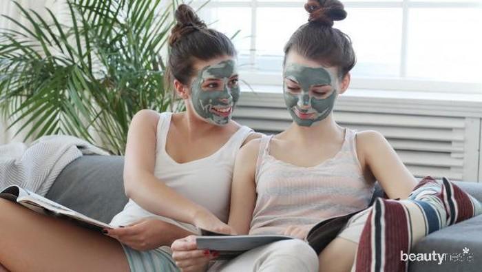 Mau Kulit Glowing Selama di Rumah? Coba DIY Masker dari Bahan Alami Ini!