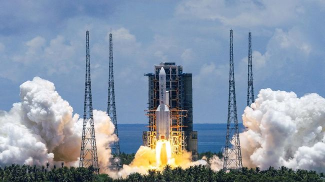 Sebuah satelit rahasia milik pemerintah China yang diluncurkan pada Senin (27/9) kemarin sampai saat ini nasibnya belum diketahui.