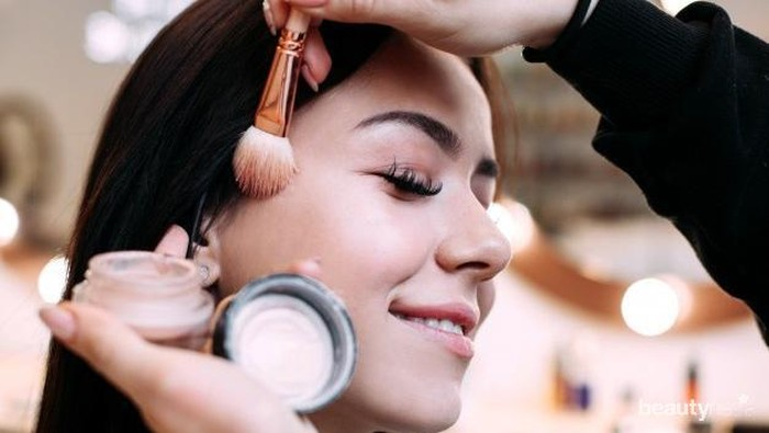 Tips Atasi Iritasi Saat Menggunakan Makeup Bagi Kulit Sensitif