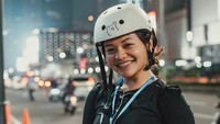 <p>Di luar kesibukannya di dunia hiburan, Amel Carla kerap bersepeda juga lho, Bunda. (Foto: Instagram @amelcarla)</p>