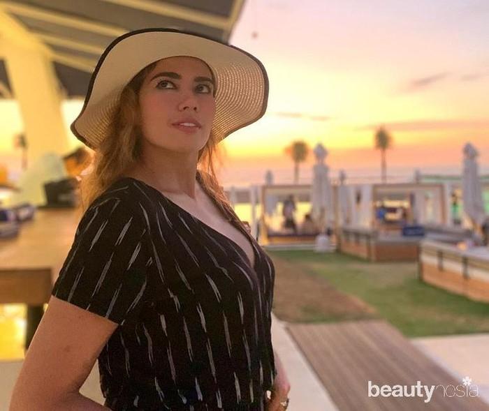 Model berdarah Inggris dan Indonesia-Arab jarang terkena berita miring. Warganet menyebut Catherine adalah sosok yang ramah dan murah senyum.(Foto: instagram.com/cathrinewilson/)