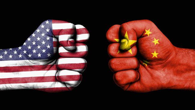 Pakar politik Asia Gordon Chang memperingatkan bahwa China sedang mengatur militernya untuk membunuh orang Amerika Serikat.