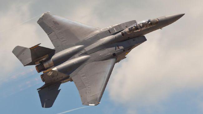 Amerika Serikat dilaporkan setuju menjual jet tempur F-15 dan F-18 ke Indonesia setelah pembicaraan berbulan-bulan