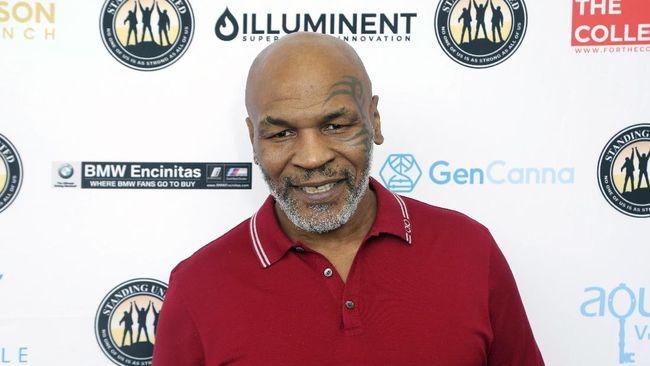 Roy Jones Jr. menyebut Mike Tyson sempat tak mau bertarung melawan dirinya beberapa tahun lalu.