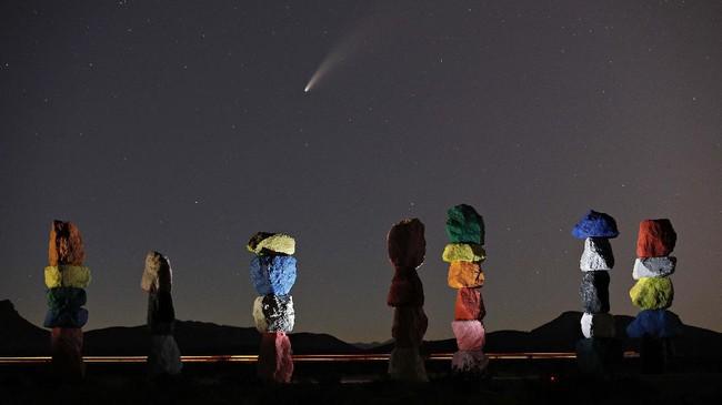 Secuplik keriaan anak-anak Palestina di tengah pandemi hingga potret komet Neowise di langit Nevada menjadi foto pilihan CNNIndonesia.com pekan ini.