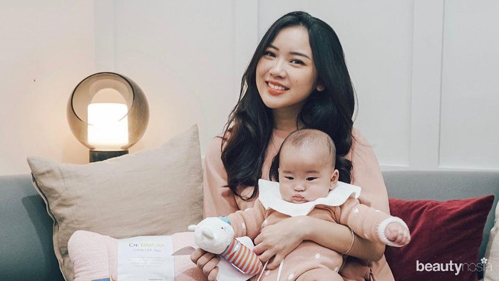 10 Potret Gemas Influencer Juliana Stephanie dan Baby Kanaya