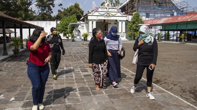 Kunjungan wisatawan domestik maupun mancanegara ke Kota Gudeg menurun drastis bahkan sampai menyentuh angka nol selama pandemi virus corona.