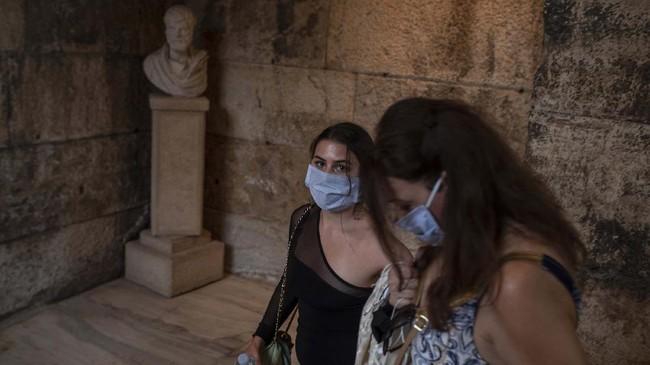 Teater Epidaurus yang berusia 2.300 tahun akhirnya kembali dibuka pertengahan Juli lalu dengan menerapkan protokol kesehatan.