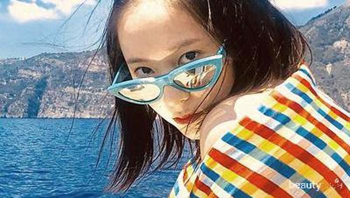 Punya Selera Fashion Bagus, Intip Fashion Look ala Krystal Jung Ini