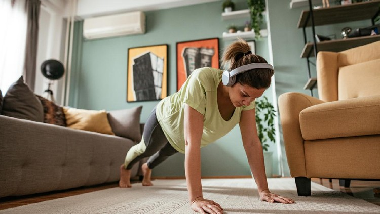 Avoiding gyms and exercising at home during pandemic illness