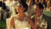 <p>Meski berbeda, pasangan ini bisa membuktikan bahwa rumah tangga mereka bahagia lho.</p>