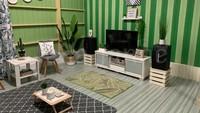 <p>Interior dinding berwarna hijau dengan perabot yang tak banyak, membuat ruangan terasa luas. (Foto: Facebook Leila Janne)</p>