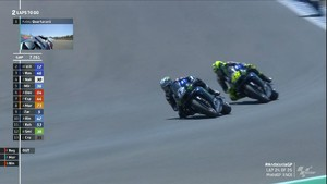 VIDEO: Duel Sengit Rossi vs Vinales di MotoGP Andalusia