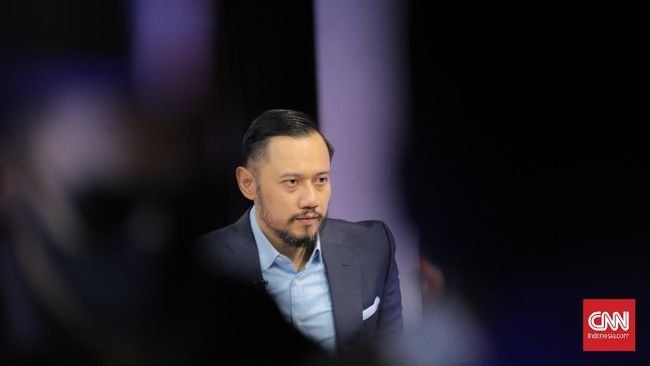 Netizen bereaksi soal rencana Kepala KSP Moeldoko yang akan mengambil alih posisi Ketua Umum Partai Demokrat AHY.