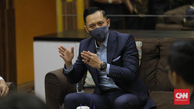 AHY menuding ada gerakan politik yang dilakukan sejumlah orang di lingkaran Joko Widodo yang ingin mengambil alih Partai Demokrat.