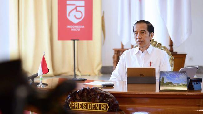 Presiden Jokowi akan meluncurkan bantuan modal bagi 12 juta pelaku UMKM masing-masing Rp2,4 juta. Bantuan diberikan pada HUT RI nanti.