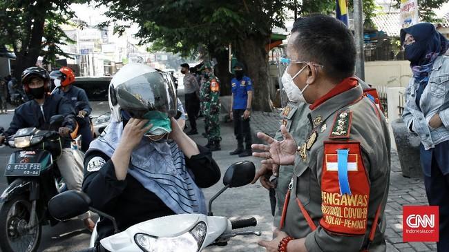 Jabar mewajibkan masker di ruang publik demi mencegah penularan Covid-19 yang pelanggarnya bakal didenda sesuai pergub yang telah diteken Gubernur RK kemarin.