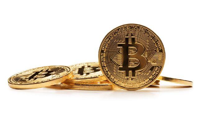 Nama Bitcoin mendadak ramai dibicarakan netizen usai disebut akan menjadi alat pembayaran dalam setiap pembelian mobil listrik Tesla.
