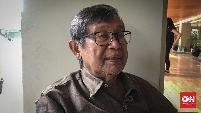 Sastrawan dan budayawan Ajip Rosidi meninggal dunia di usia 82 tahun pada Rabu (29/7), meninggalkan jejak ratusan karya yang abadi.
