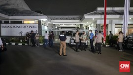 Berbaju Tahanan dan Diborgol, Djoko Tjandra Tiba di Halim