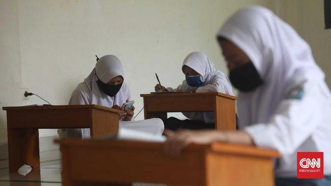 Wagub DKI Riza Patria menyebut pihaknya sudah meminta pembuatan aturan agar membuka kemungkinan belajar tatap muka saat pandemi.