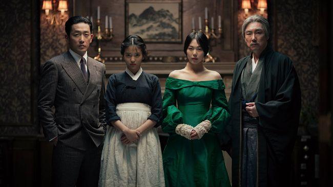 The Handmaiden merupakan film erotic psychological thriller yang dibintangi Kim Tae-ri, Ha Jung-woo, dan Choi Jin-woong.