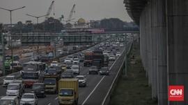 Urai Macet, Tol Cikampek Arah Jakarta Terapkan Contraflow