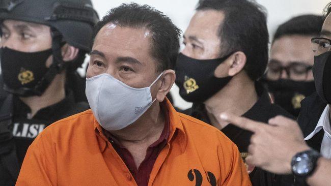 Bareskrim Mabes Polri memastikan bakal menetapkan satu tersangka baru dalam kasus surat jalan palsu terpidana kasus hak tagih (Cessie) Bank Bali, Djoko Tjandra.