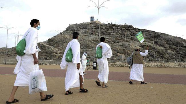 Kemenag masih menunggu kepastian pemerintah Arab Saudi untuk membuka kloter haji Indonesia pada tahun ini.