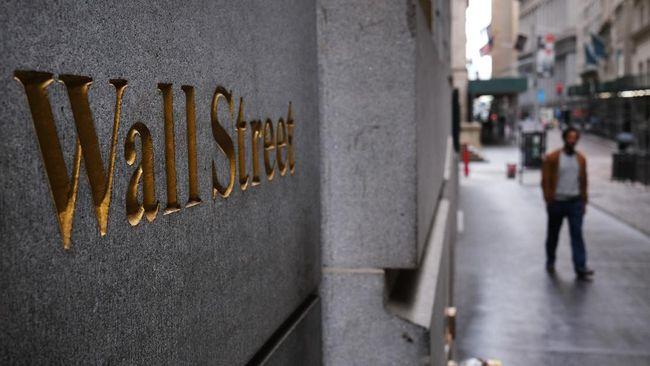 Perusahaan media online China yang menaungi Weibo keluar dari Wall Street karena pengawasan AS yang ketat terhadap perusahaan asal China.
