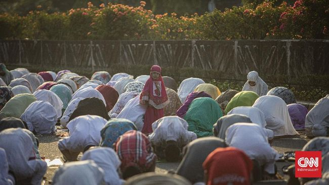 Sebanyak enam desa di Ambon, Maluku, yang mayoritas penduduknya muslim, merayakan Idulfitri 1442 Hijriah pada hari ini.