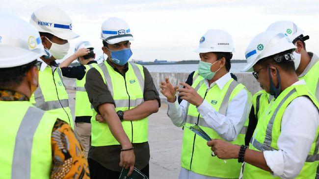 Pembangunan Pelabuhan Kijing menjadi proyek strategis nasional berdasarkan Peraturan Presiden No 43/2017.
