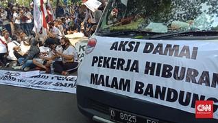 Pekerja Hiburan Malam Demo Balkot Bandung