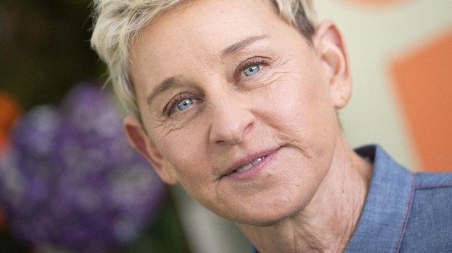 Sejumlah seleb memberikan dukungan moril kepada Ellen DeGeneres yang tengah diterpa kasus lingkungan kerja toksik di acaranya sendiri.