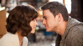 Rekomendasi Film Barat Romantis yang Bisa Menguras Emosi