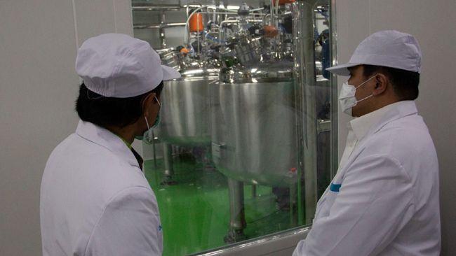 Menteri BUMN Erick Thohir memastikan Bio Farma siap memproduksi 100 juta vaksin corona dari Sinovac, China.