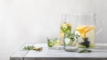 7 Minuman yang Gantikan Cairan Tubuh Selain Air Putih