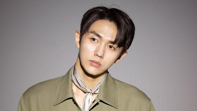 Jellyfish Entertainment selaku agensi Seulong 2AM mengonfirmasi bahwa kliennya terlibat dalam kecelakaan di mana ia menabrak pejalan kaki yang akhirnya tewas.