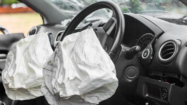 GM melakukan recall atau menarik kembali 7 juta untuk model pikap dan SUV di seluruh dunia karena ada cacat produksi kantong udara (airbag).