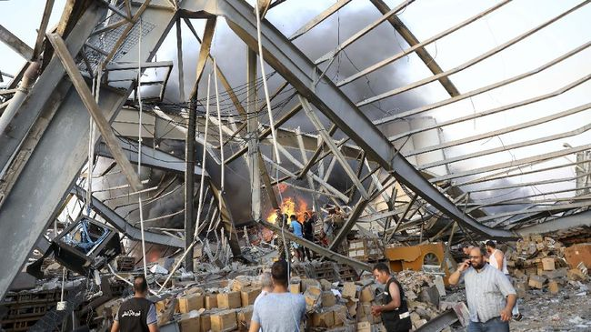 Ribuan ton amonium nitrat yang meledak di Pelabuhan Beirut, Libanon, disita dari kapal milik perusahaan Rusia enam tahun silam.